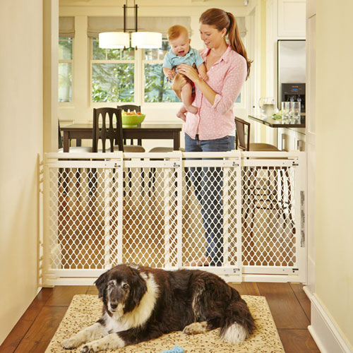 Superbe North States Retractable Pet Gate