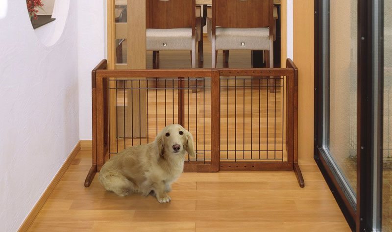 Charmant Richell Wood Freestanding Pet Gate